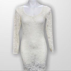 ARITZIA TALULA Lace Mini Dress Size Medium